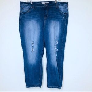 Torrid Very DIstressed Girlfriend Skinny Jeans